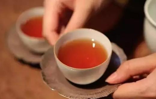 夏天适合喝红茶吗?海垦茶业集团符小琴告诉您答案